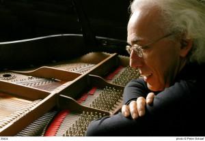 Pianist André Laplante. Photo by Peter Schaff