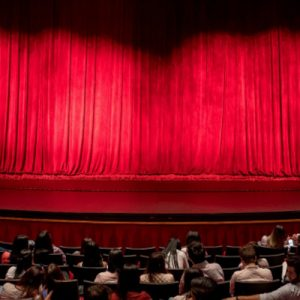 What are Canadians' thinking about returning to live arts events?